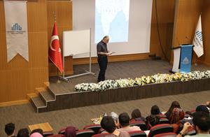 """Medeniyet Okumaları'nın 14. Dersinde """"Hint-İslâm Kültür Havzası: Kişiler ve Eserler""""  Konu Edildi"""